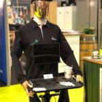 Georges le robot serveur connecté