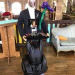 Georges le robot serveur connecté glooters
