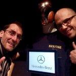 Selfie avec Georges le robot serveur evenementiel